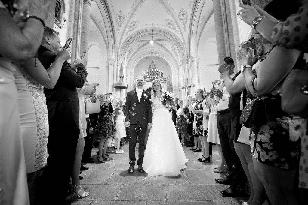 svatba v kostele, svatební fotograf Tomáš Kasal, kostel Hosín, České Budějovice