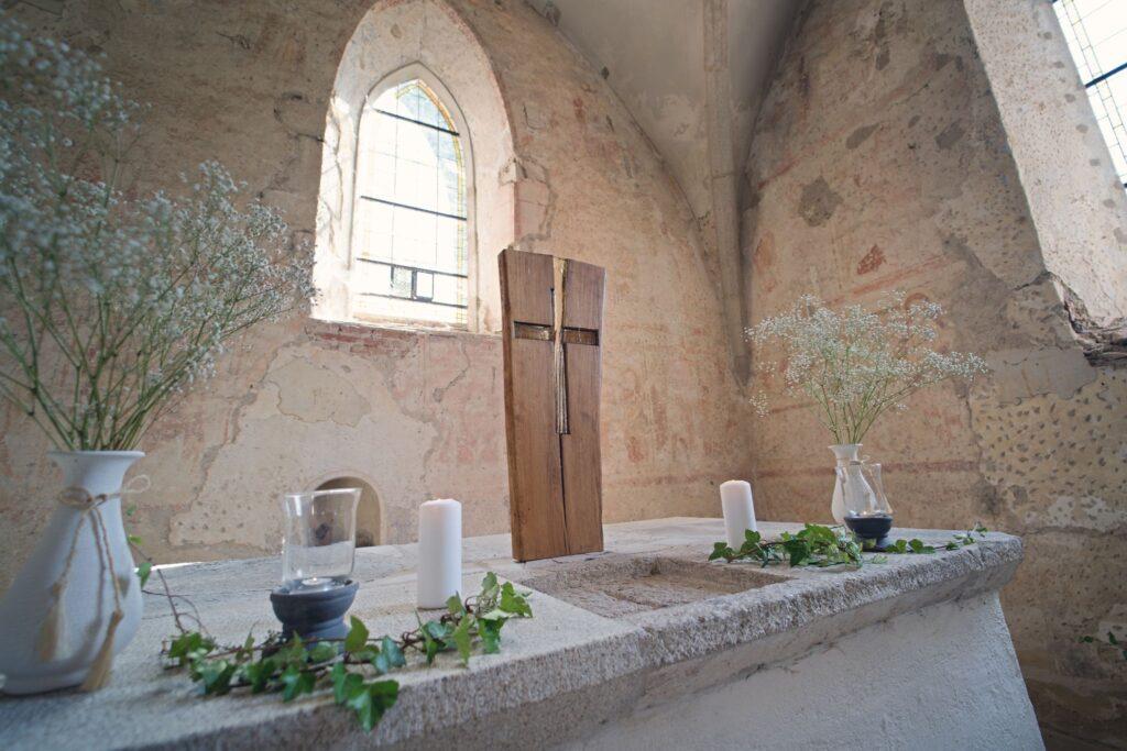oltář v kostele Svatého Mikuláše v Boleticích Kájov Tomáš Kasal svatební fotograf